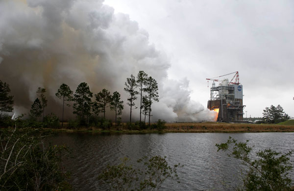 NASA: US Space Agency Successfully Tests RS-25 Rocket Engine for Potential Mars Travel